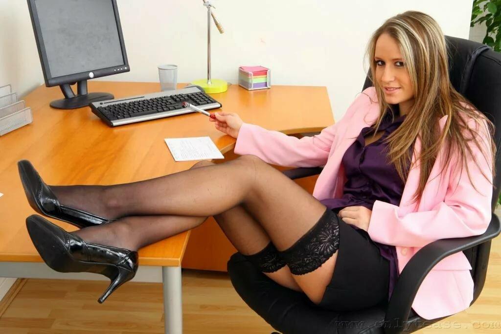 seks-video-smotret-pornuhu-krasivoy-buhgaltershi-zhenskie-prikoli
