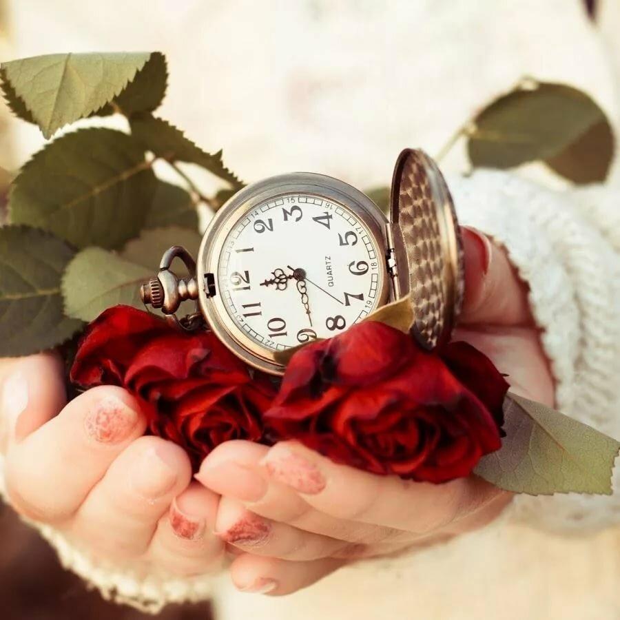 Поздравление если даришь часы