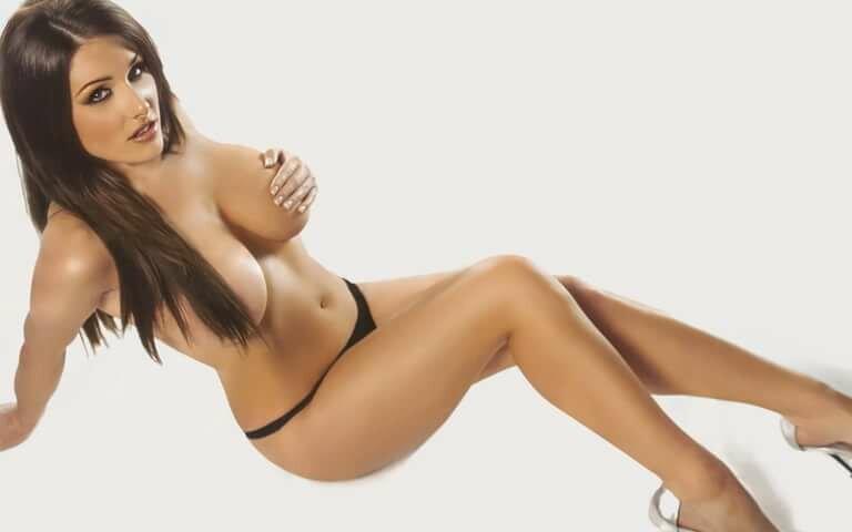 Lucy Pinder En Lingerie Les Filles Sexy Yourporn 1