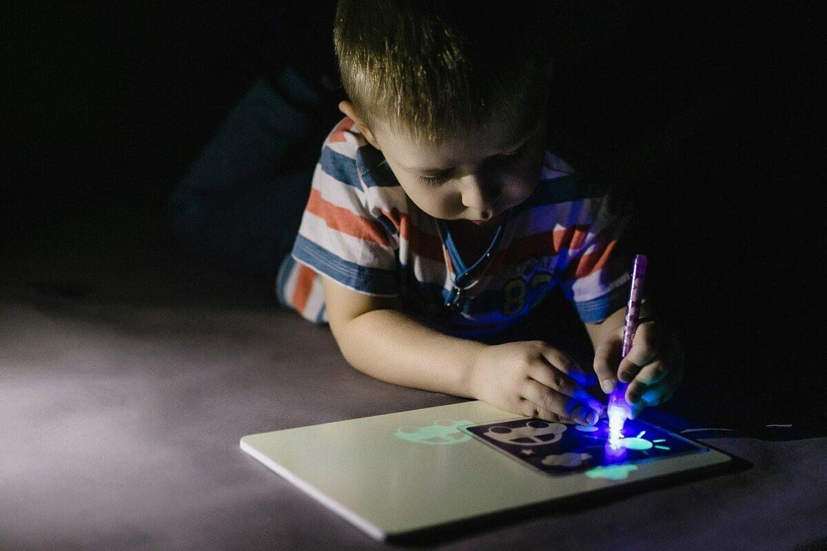 Детский набор для рисования в темноте - Рисуй светом в Благовещенске