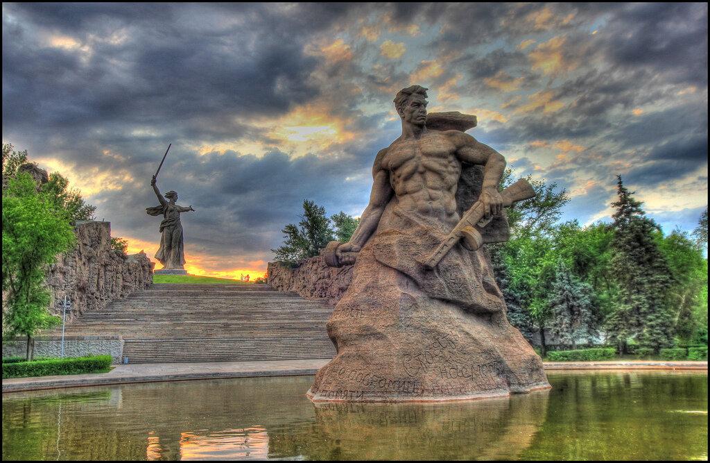 19 ноября 1942 года - начало контрнаступления Советских войск под Сталинградом (начало Сталинградской операции)