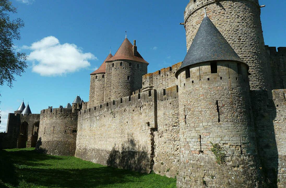 Средневековые замки крепости картинки