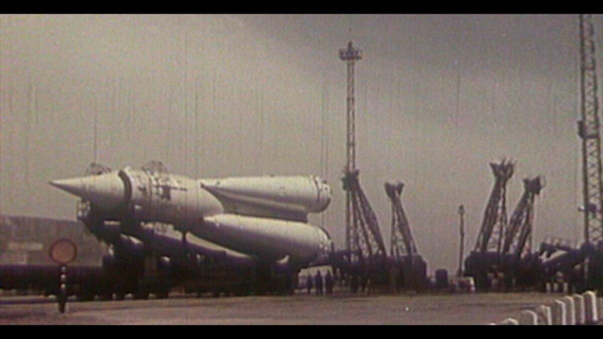 21 августа 1957 года осуществлен запуск первой советской межконтинентальной баллистической ракеты Р-7