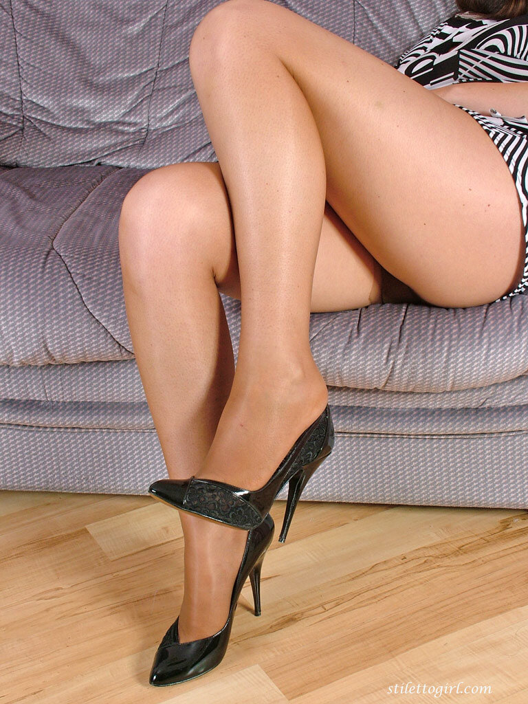 Naked sexy black shoes