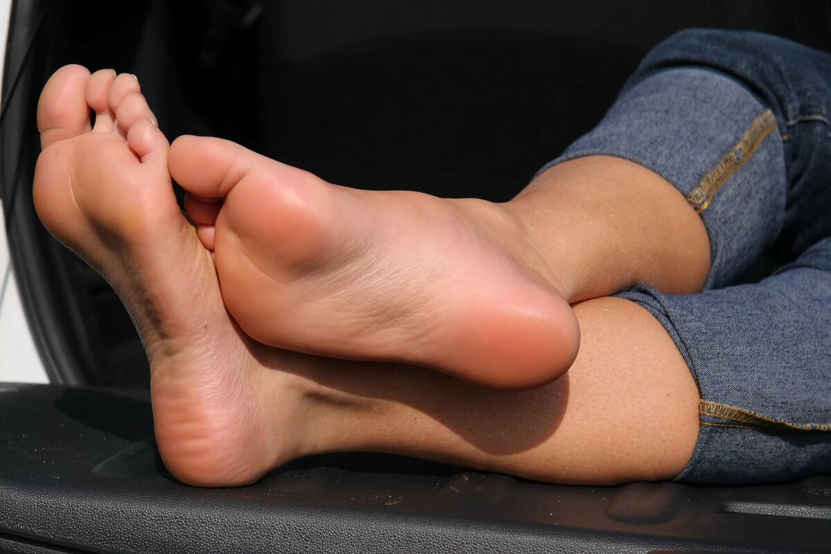 Sexy foot action