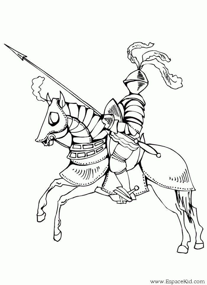 Раскраска воины с копьем на коне