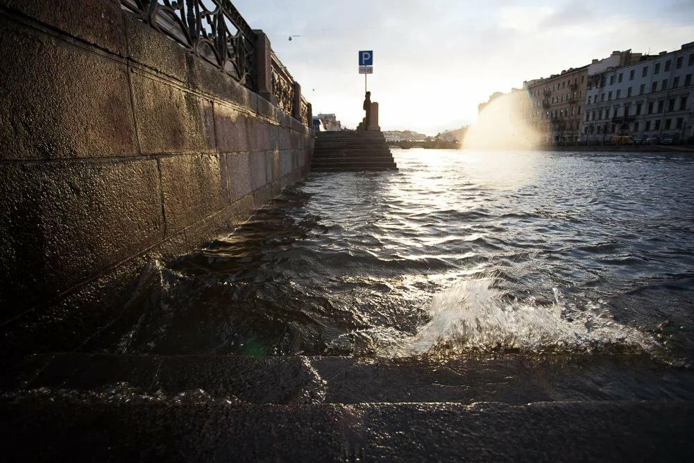 крепится картинки последнего наводнения в спб сожалению, везде, кроме