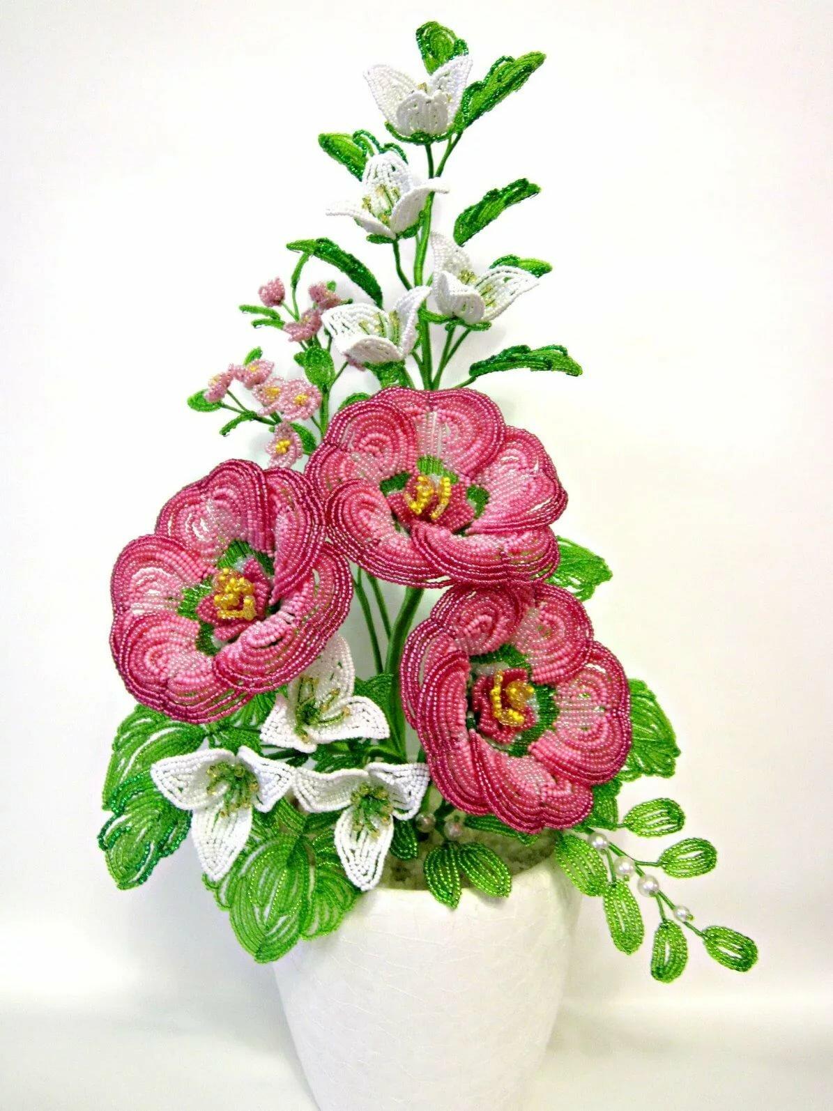 вот цветы из бисера композиции и букеты фото училище