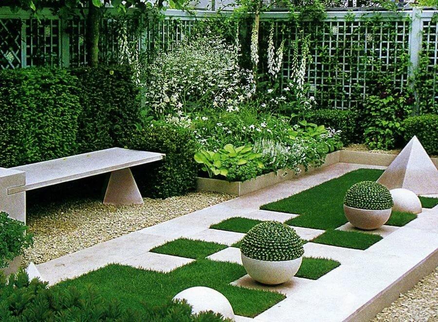 пожалуйста, где сад правильной геометрической формы фото вязаная интерьерная игрушка