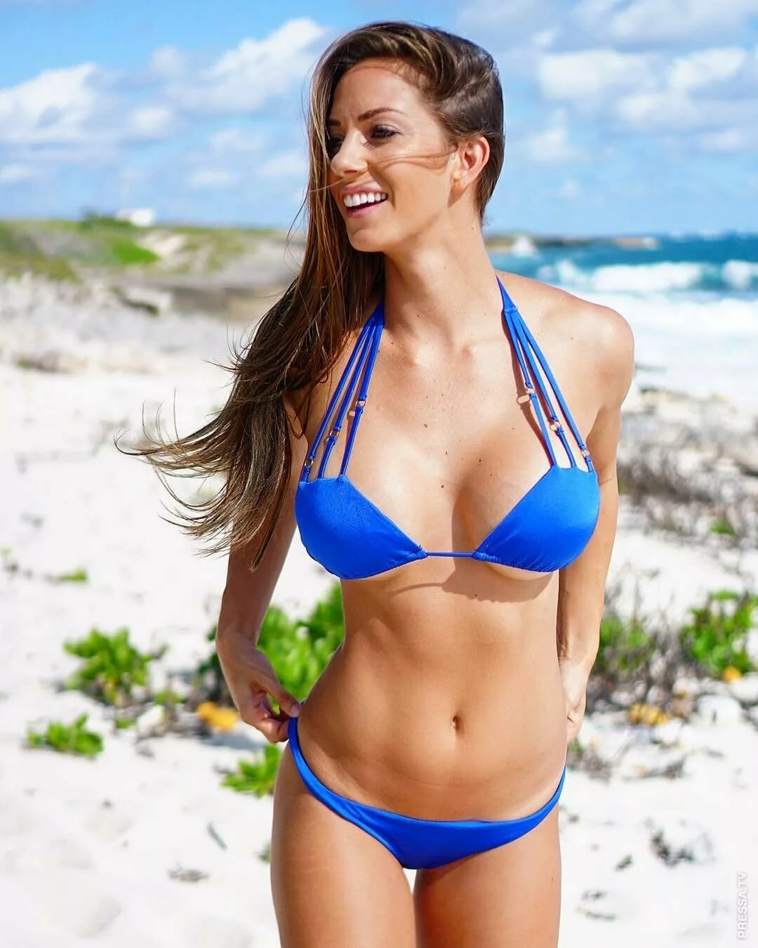 Bikini babes digital