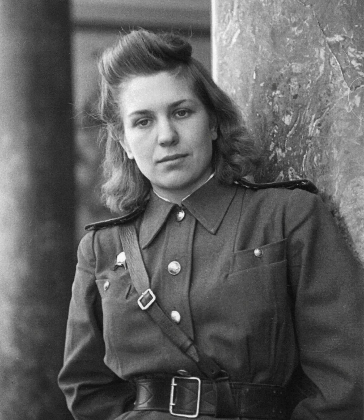 Женские фото военных лет