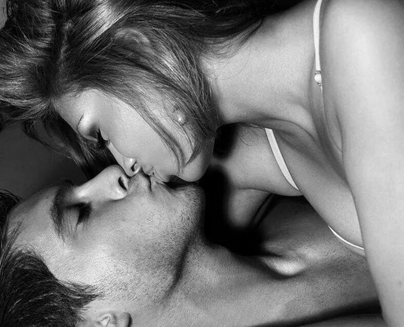 Картинки страстный поцелуй в губы он и она