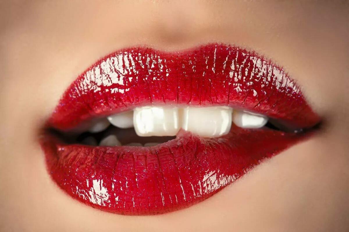 Картинки про губы с надписями