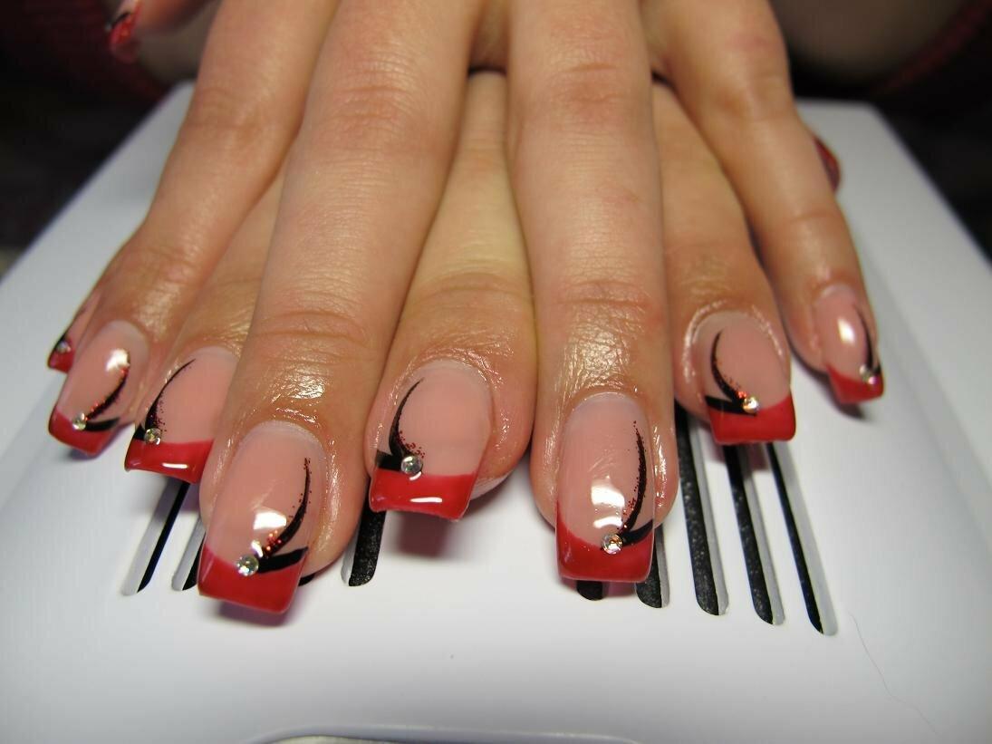 наращивание ногтей красный френч фото новинки
