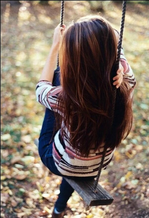Красивые фотки на аву для девушек со спины