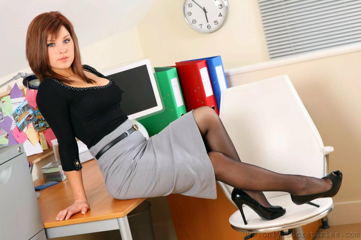 sexy-girls-in-office-ashley-blue-clips-anal-extasy