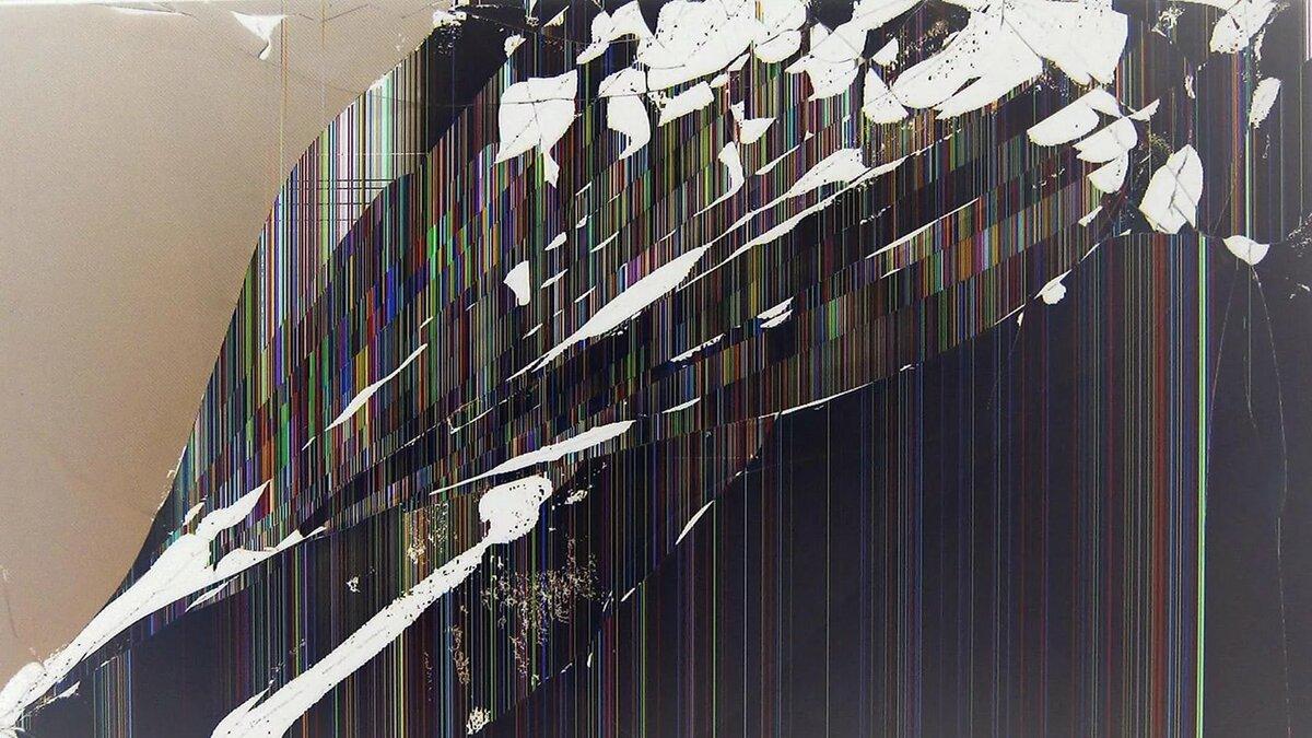 картинки для треснувшего дисплея предварительно моют, удаляют