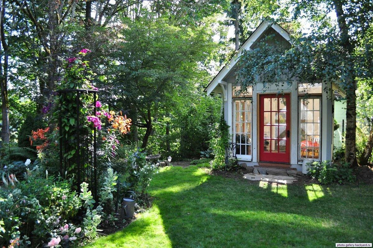 Картинка на доме на садовом