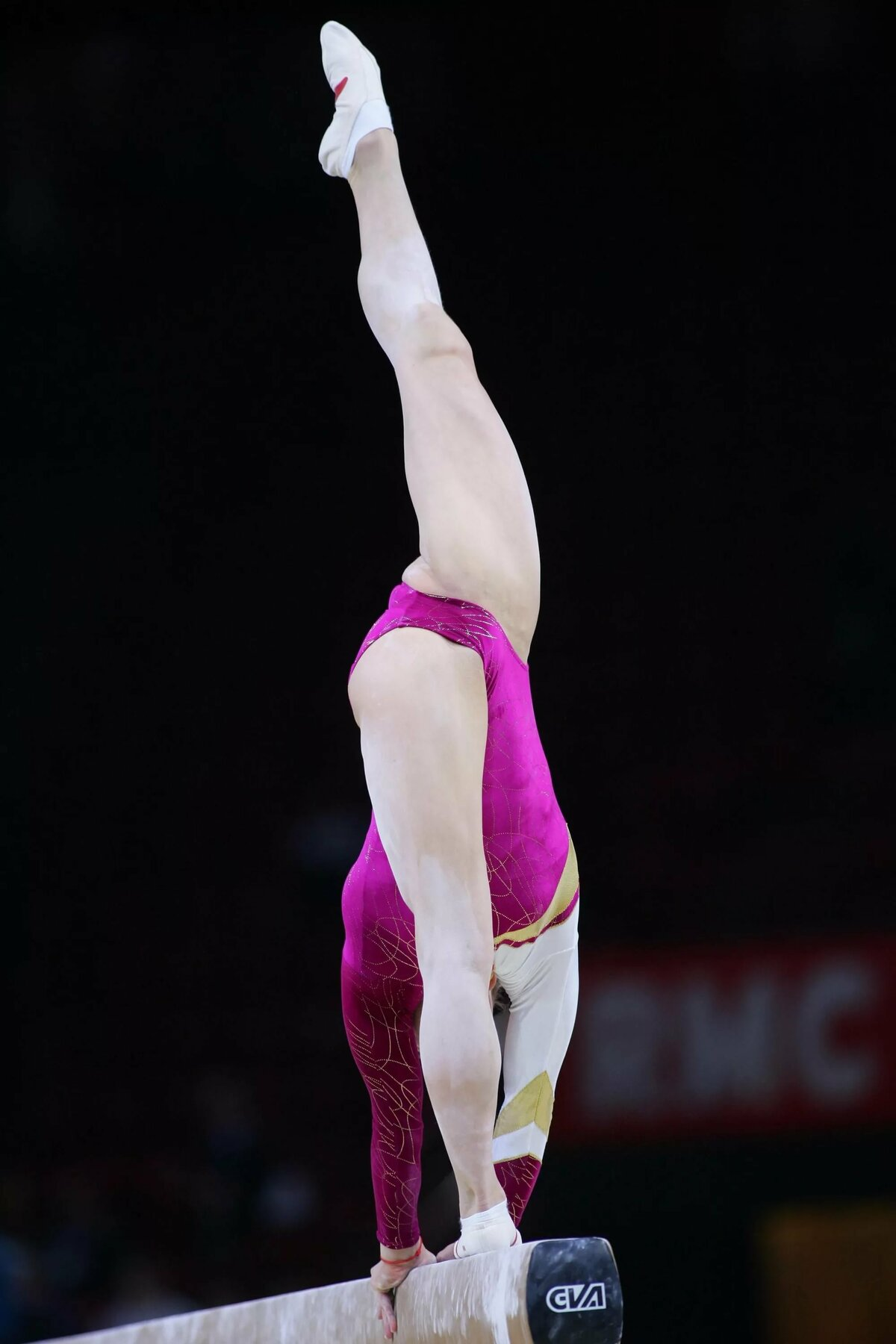 Voyeur gymnastic dressing — img 9