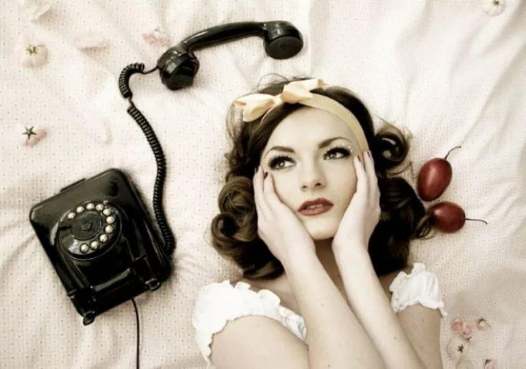 Ретро картинки девушка с телефоном