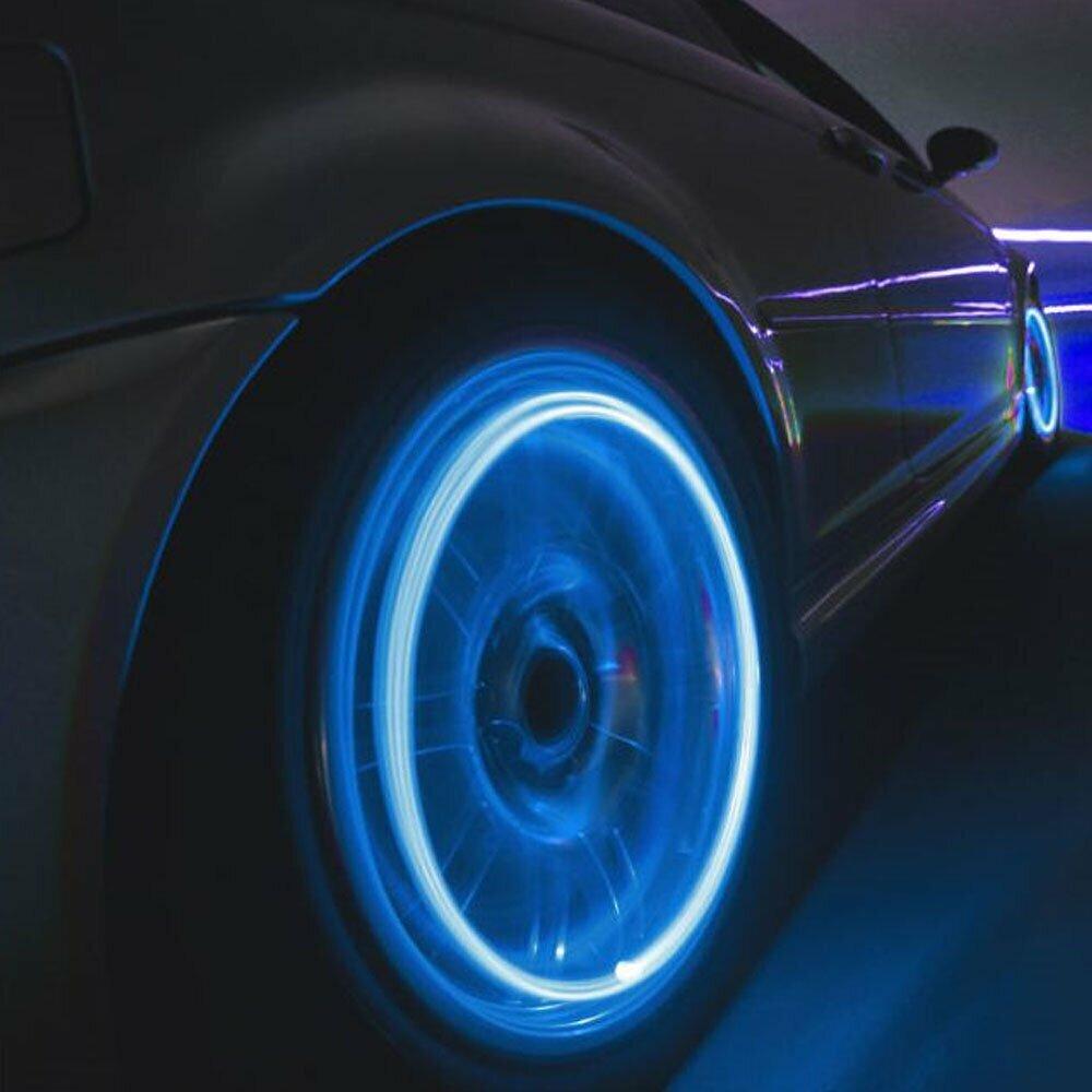 самая светящиеся картинки на колеса автомобиля его словам