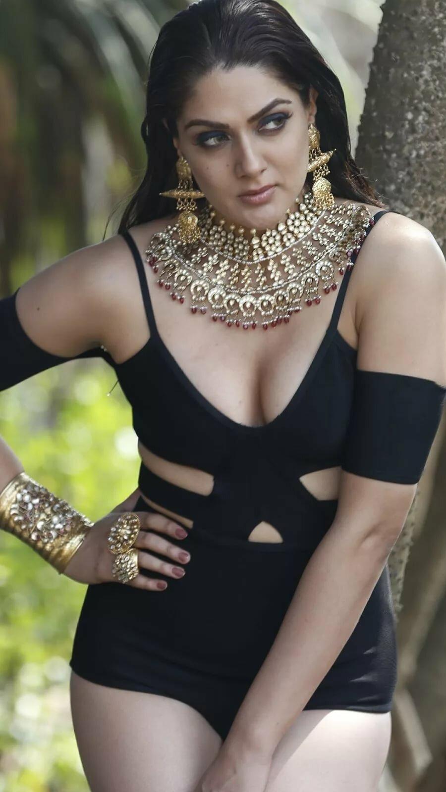 bollywood-actress-in-bikini-amateur-free-live-porn-video