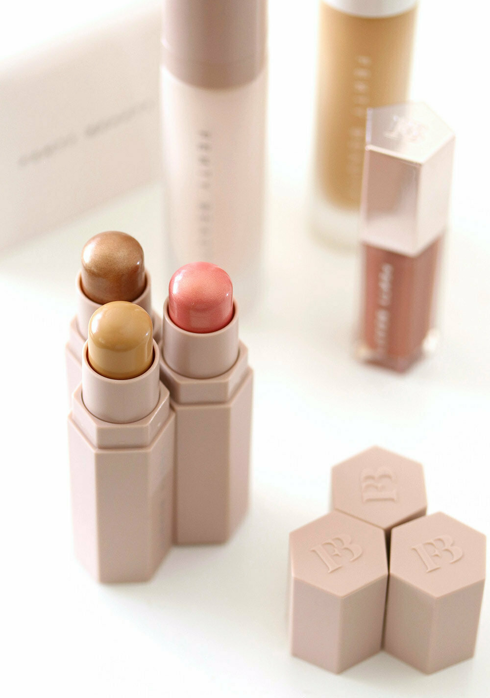 Корректор Fenty Beauty в Батайске