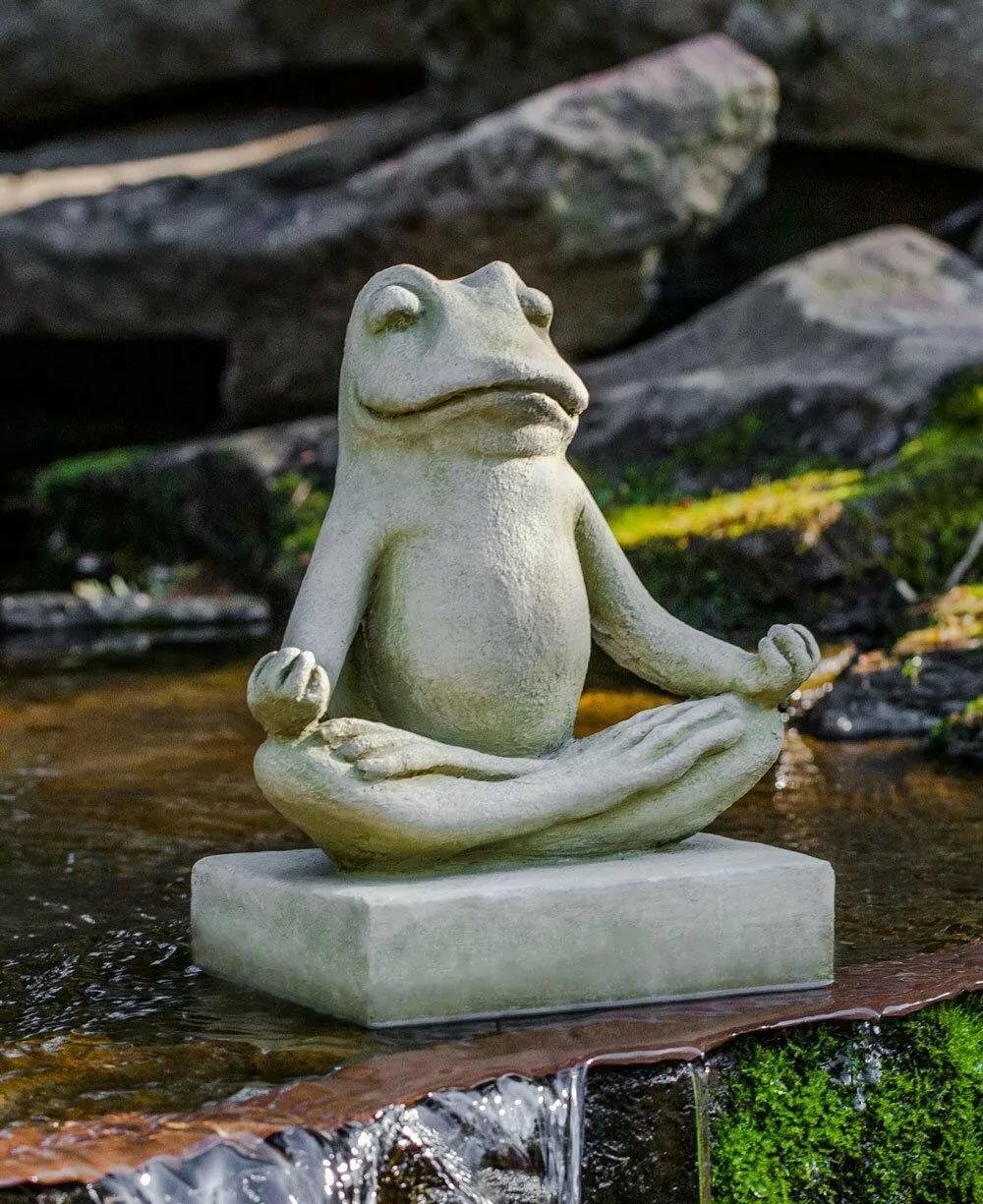 Картинка лягушка медитирует