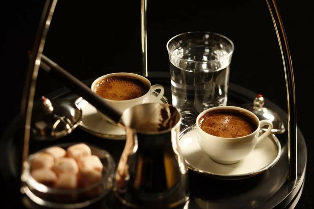 указывает красивые картинки кофе на двоих сухарики орешки всегда
