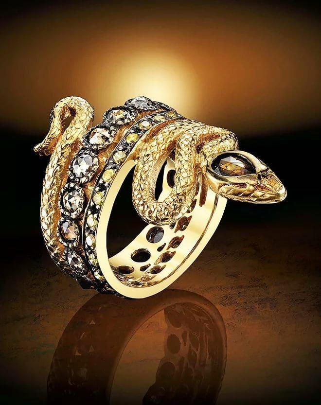 необычный дизайн колец из золота фото