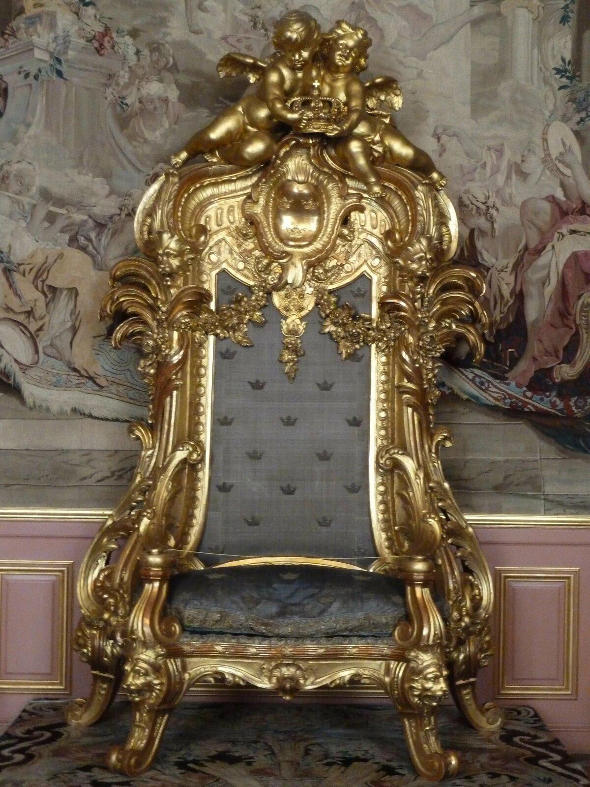 царский трон фото мороженого персиков