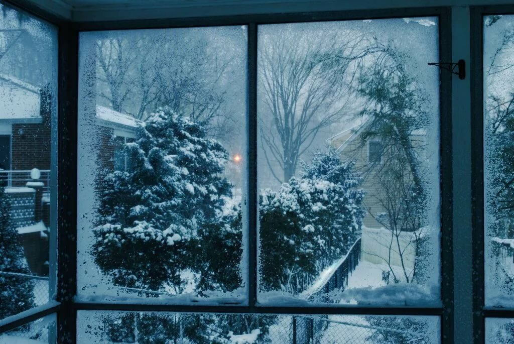 Картинки снегопада за окном