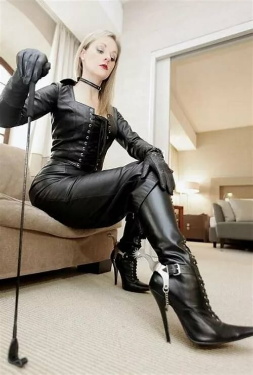 Leather free femdom stories