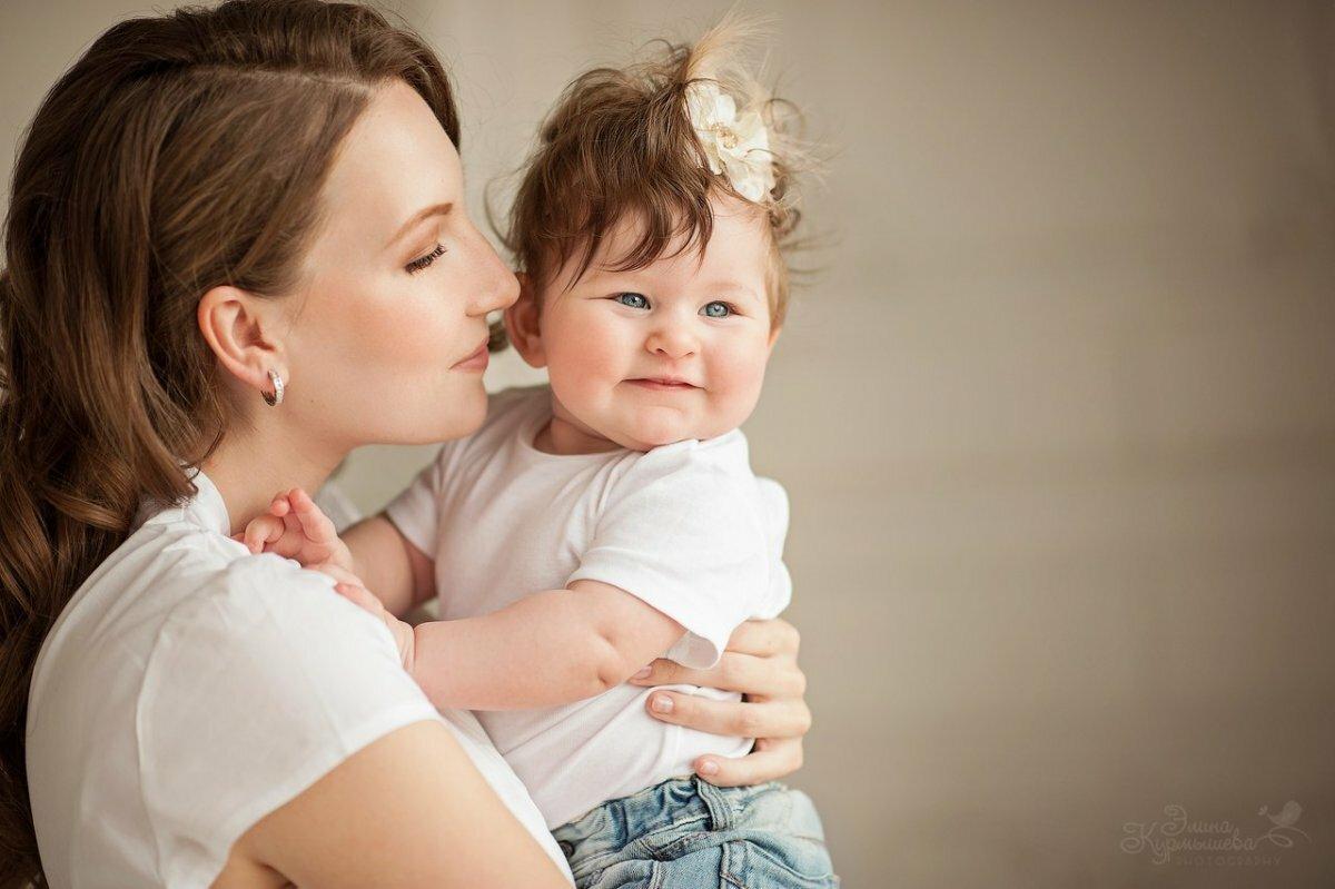 Картинка с мами и детьми