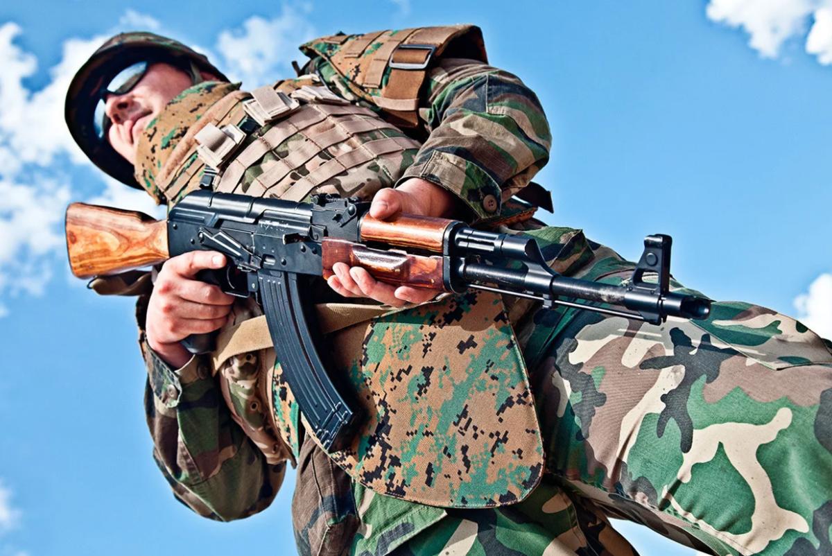 Автоматы военный картинки