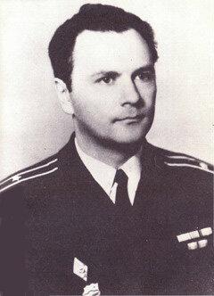 8 ноября 1975 года капитан Валерий Саблин поднял восстание на корабле «Сторожевой» с целью смены партийно-государственного аппарата