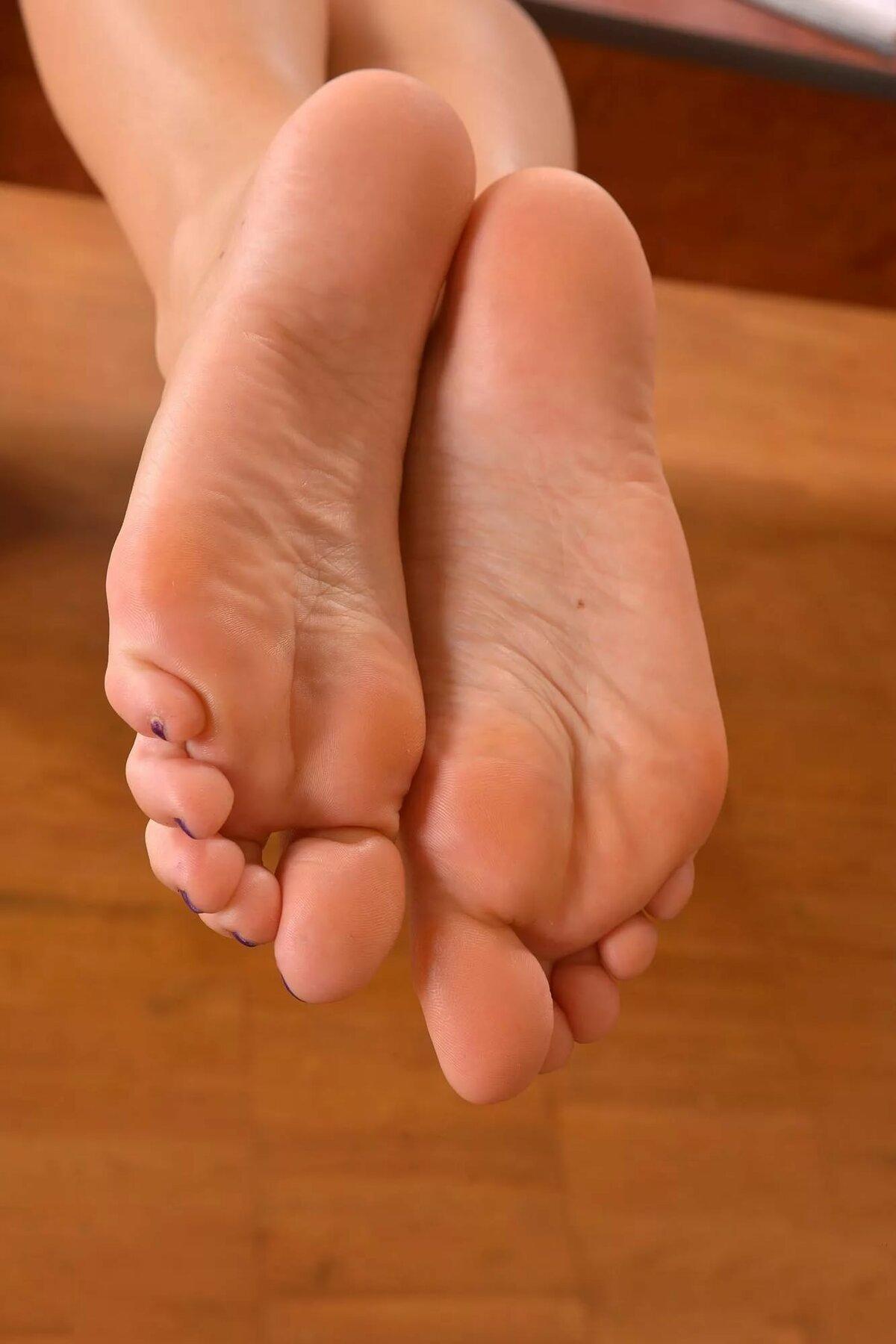 Фото женских ступней