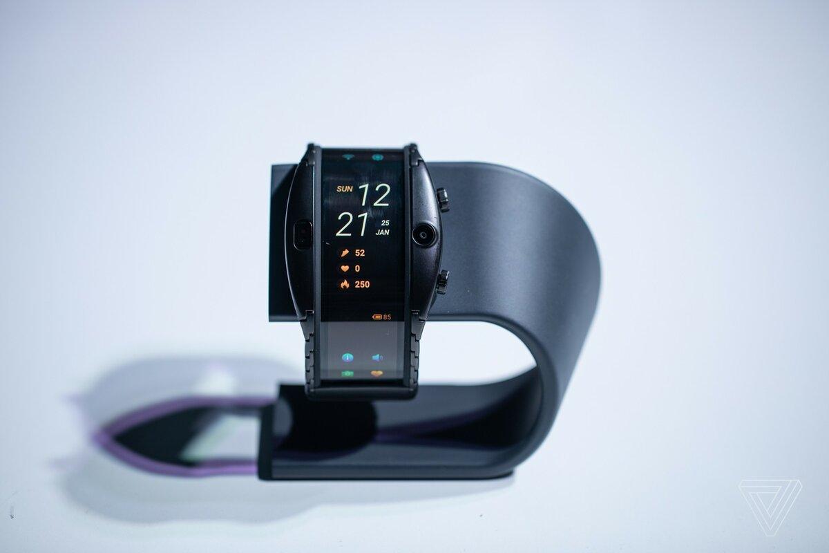 Часы смартфон ZTE NUBIA ALPHA с OLED-дисплеем в Междуреченске