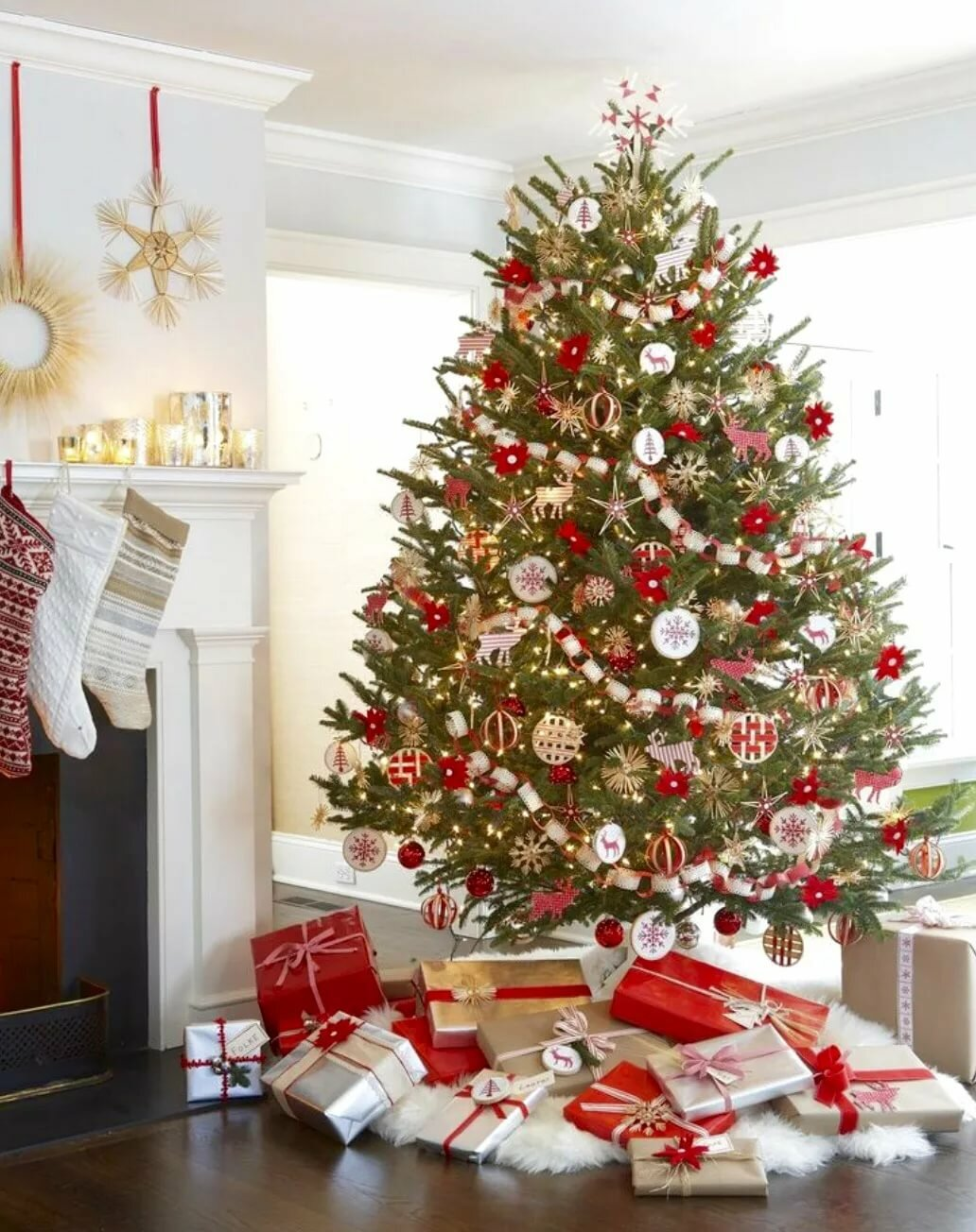 бело красная елка фото пластинку записал уже
