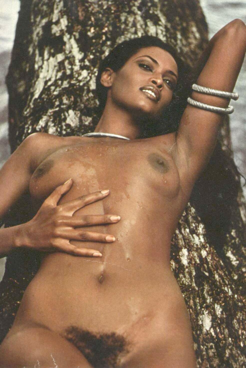 Elia Monte-brown Nude