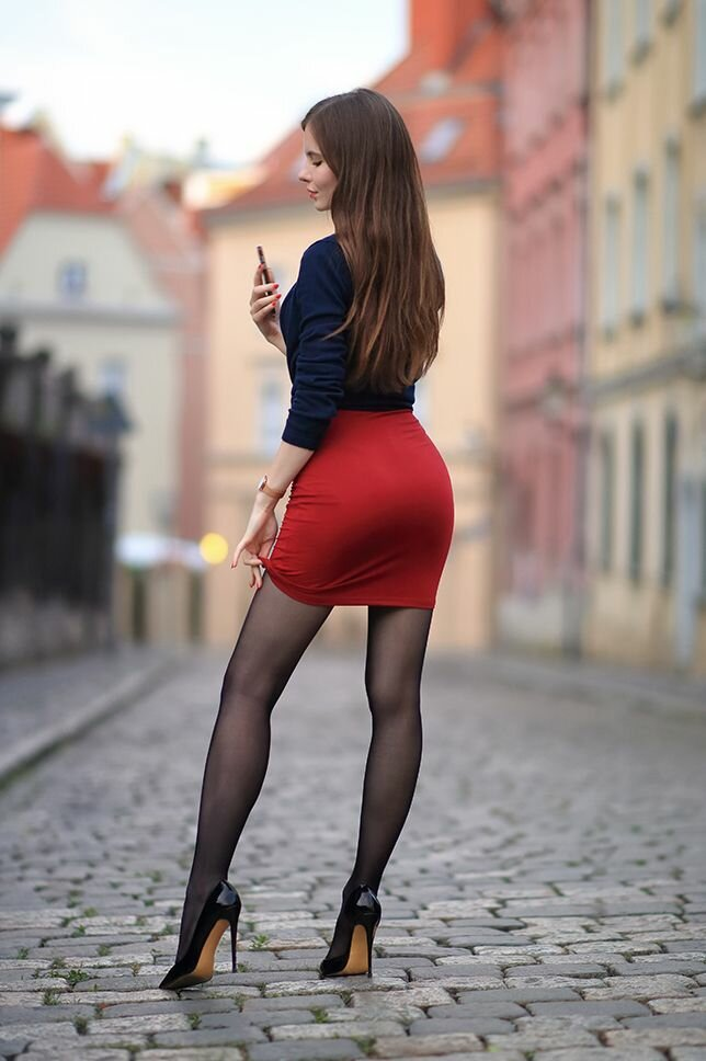 Картинки в юбках обтягивающих