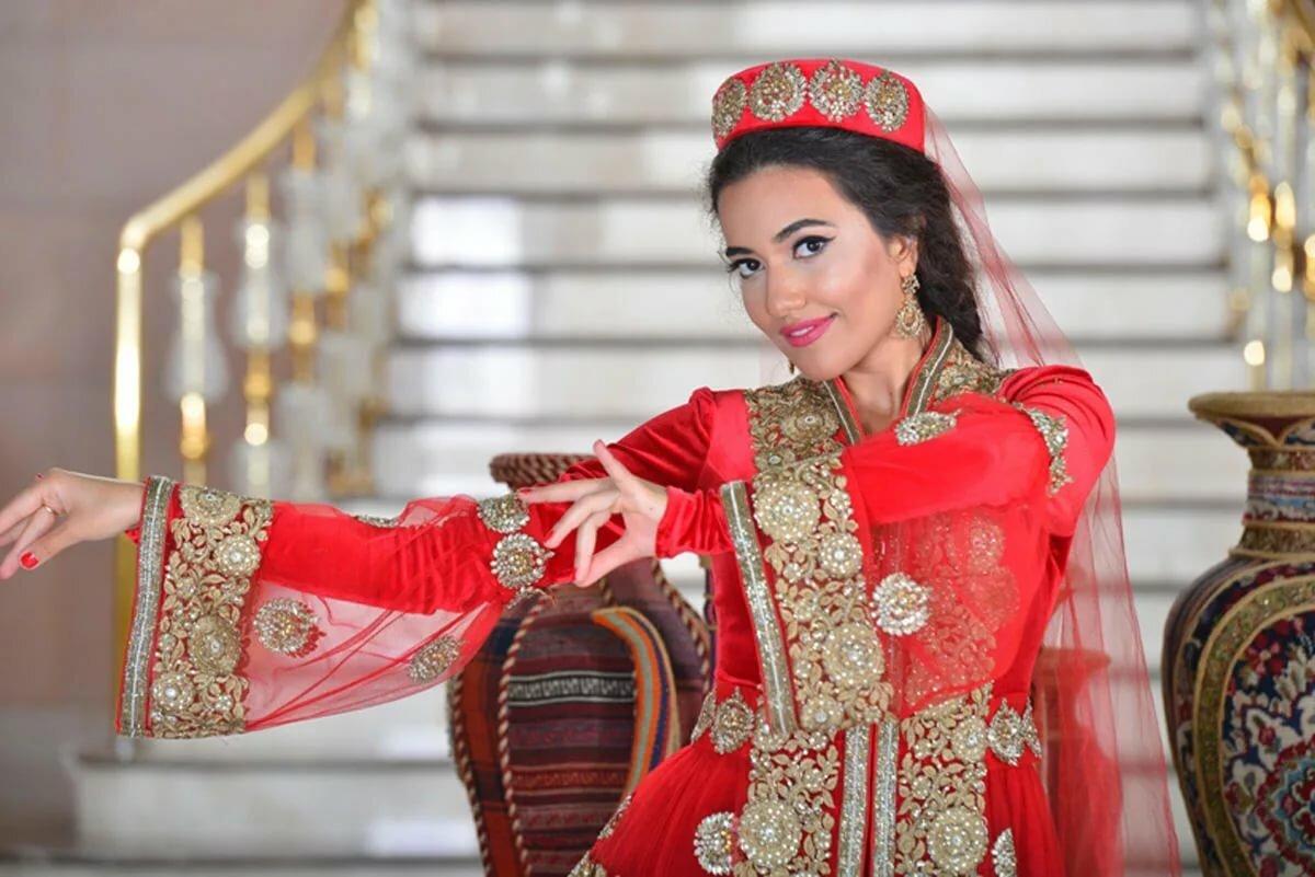леопардов-меланистов азербайджанские костюмы картинки мою карьеру