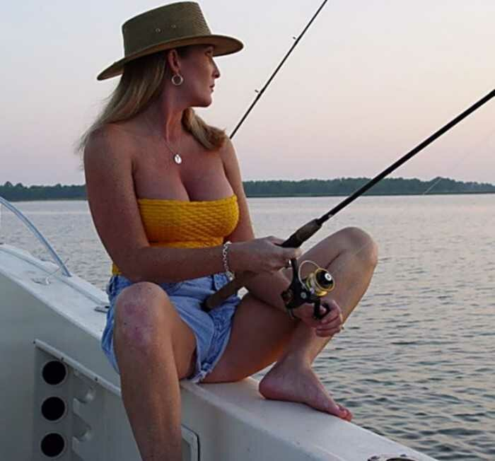 sexy-outdoor-fishing-water-fuck