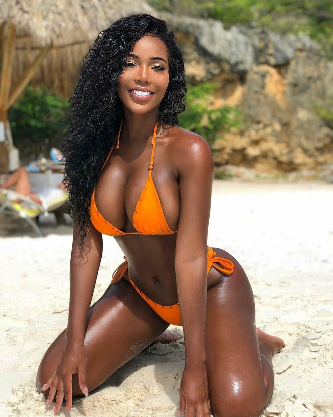 Slim ebony jamaican women — pic 2