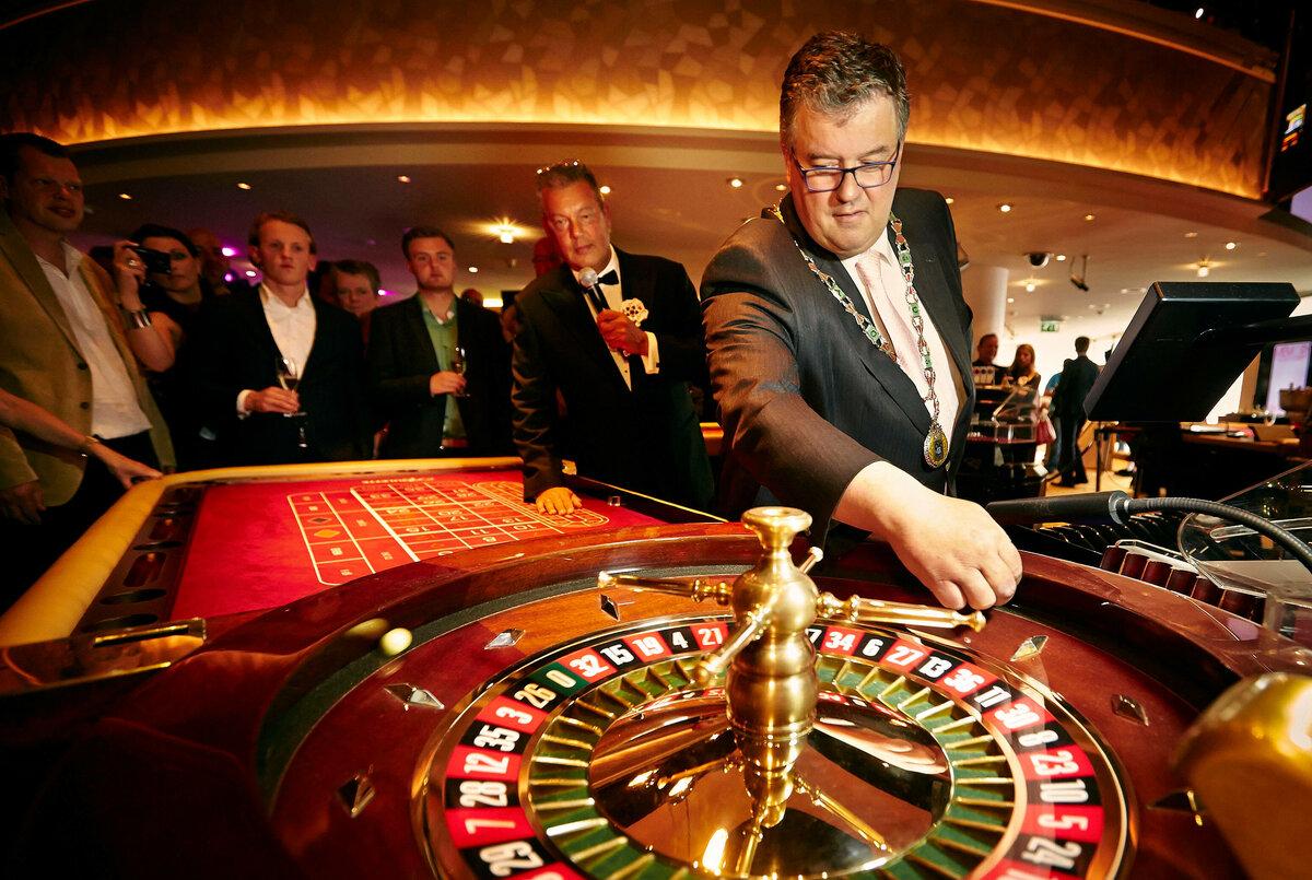 Деньги в картинках для казино