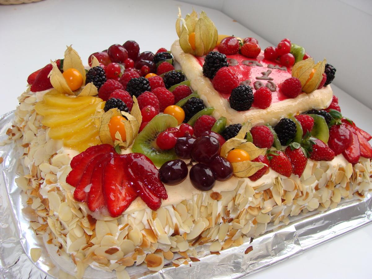 Картинки торт фруктами наклз