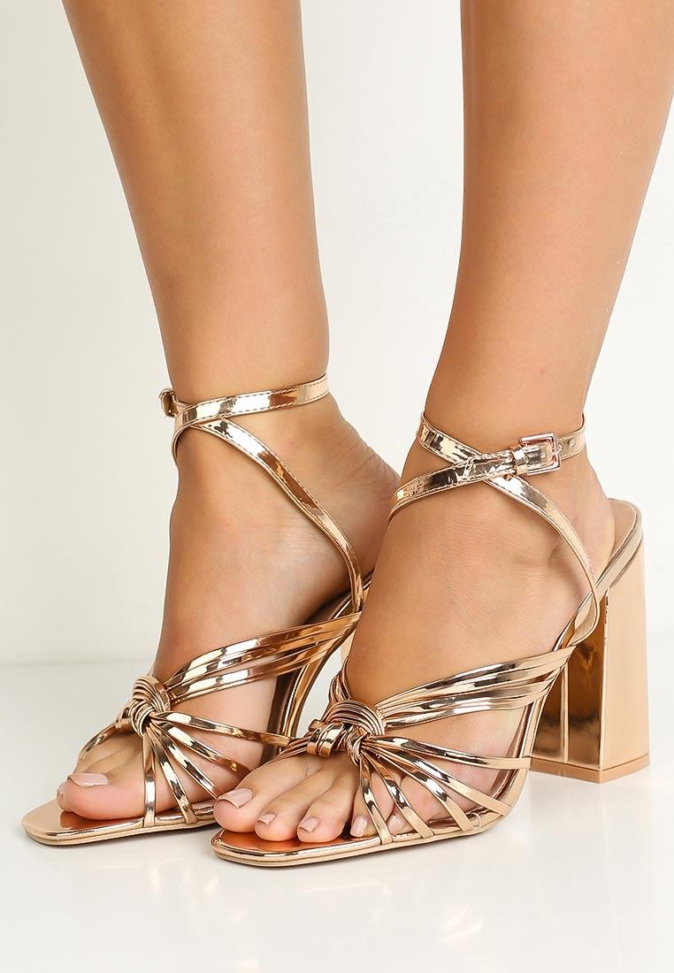 картинки босоножки на каблуке на ноге предлагаем клиентам