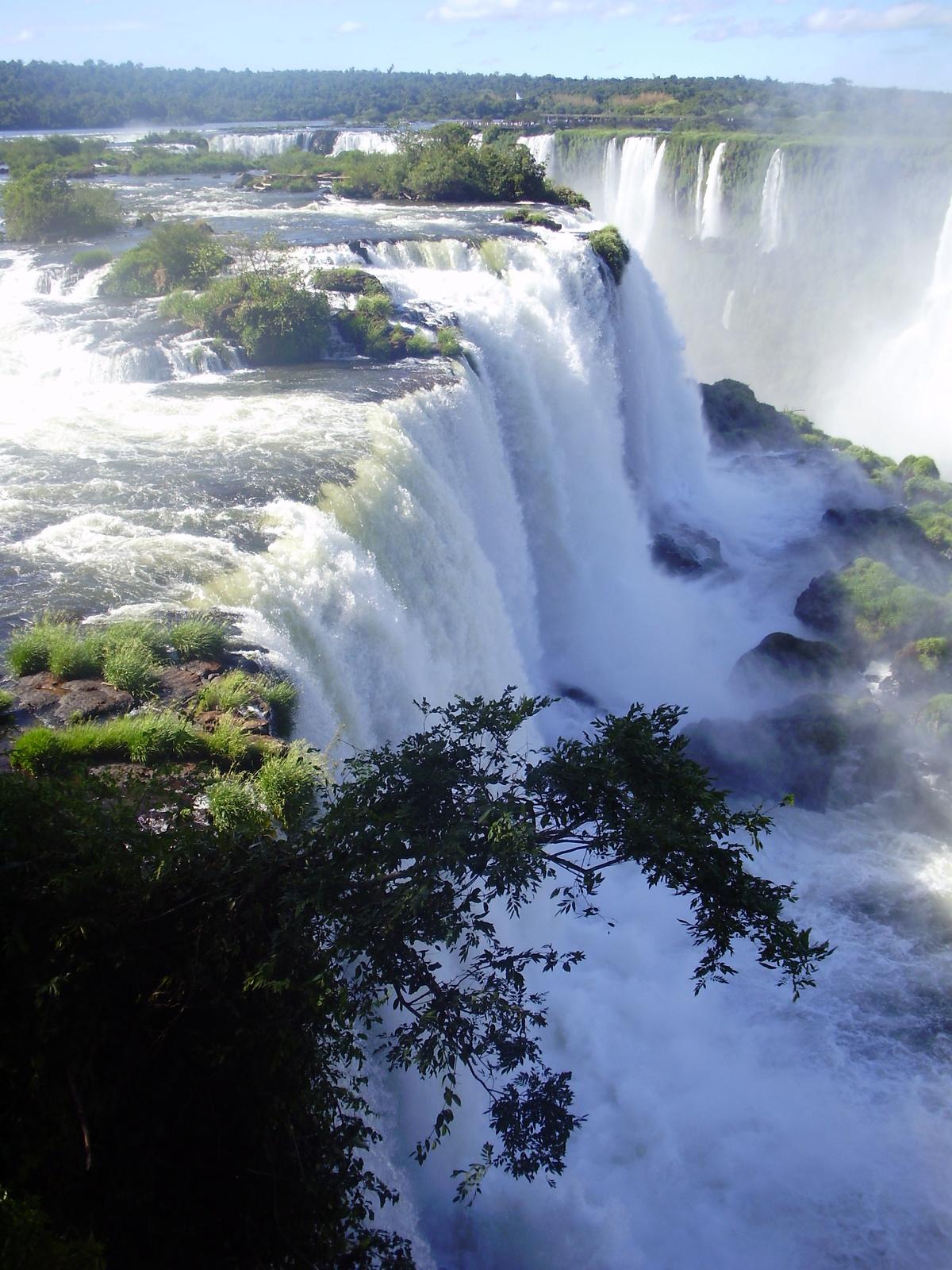 картинки водопадов игуасу рассказывал, что