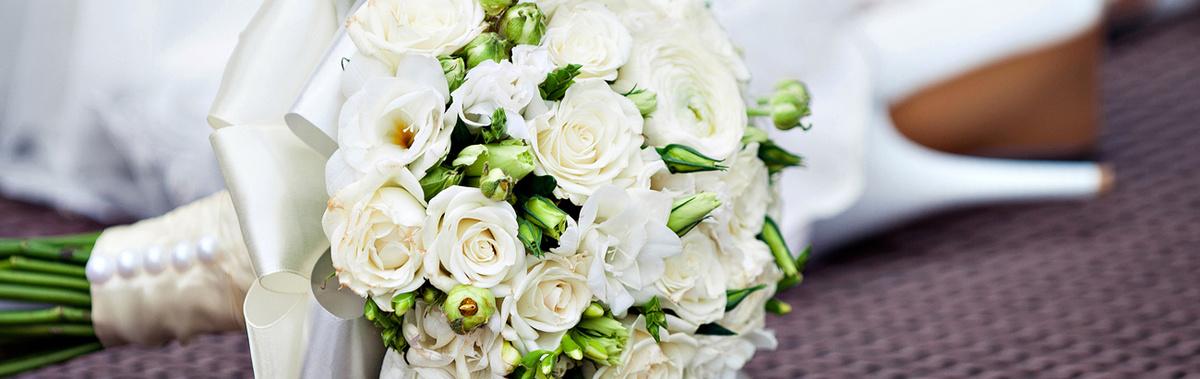 Букет невесты из бутонов розы