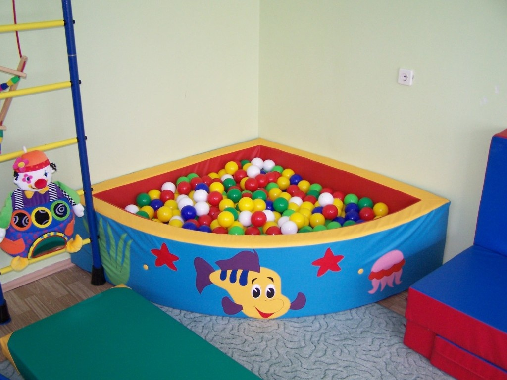 Картинка сухой бассейн в доу